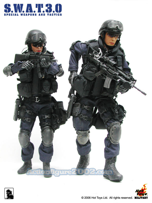 Hot_Toys_SWAT_3_0_Male&Female_01.jpg