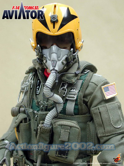 Hot_Toys_F_14_TOMCAT_AVIATOR_03.jpg