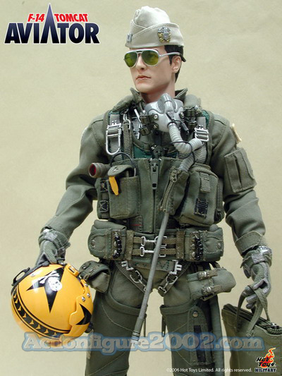 Hot_Toys_F_14_TOMCAT_AVIATOR_07.jpg