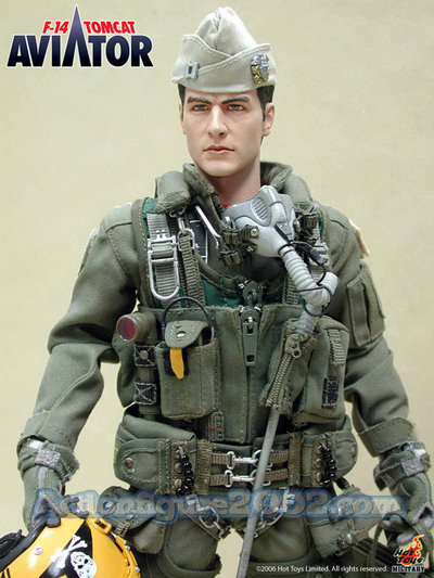 Hot_Toys_F_14_TOMCAT_AVIATOR_05.jpg