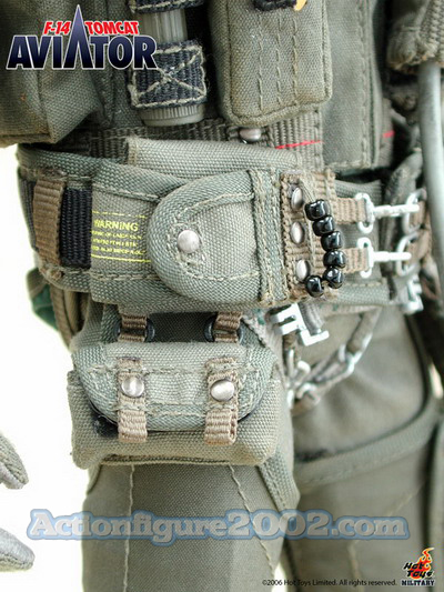 Hot_Toys_F_14_TOMCAT_AVIATOR_10.jpg
