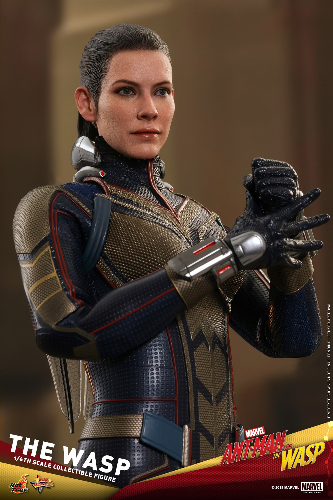 Hot-Toys-Ant-Man-and-The-Wasp-The-Wasp-Collectible-Figure_PR21.jpg
