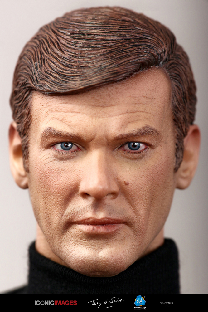 DID Roger Moore Officially Licensed Action Figure 1.jpg