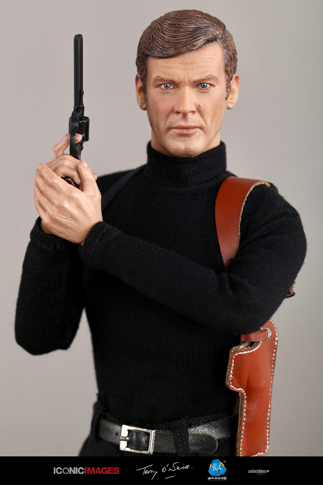 DID Roger Moore Officially Licensed Action Figure 25.jpg