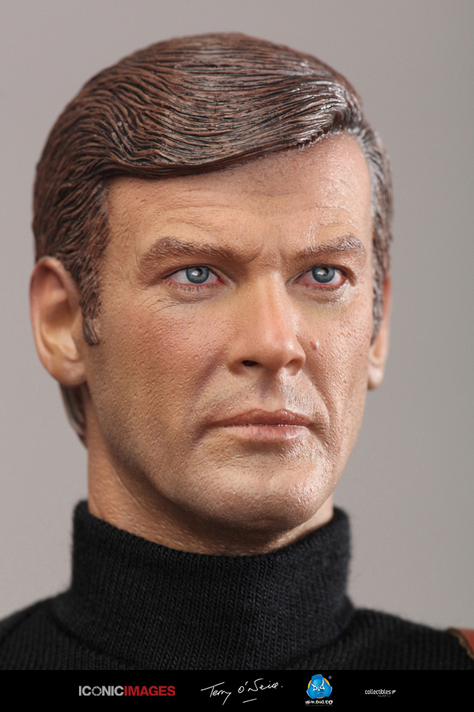 DID Roger Moore Officially Licensed Action Figure 26.jpg