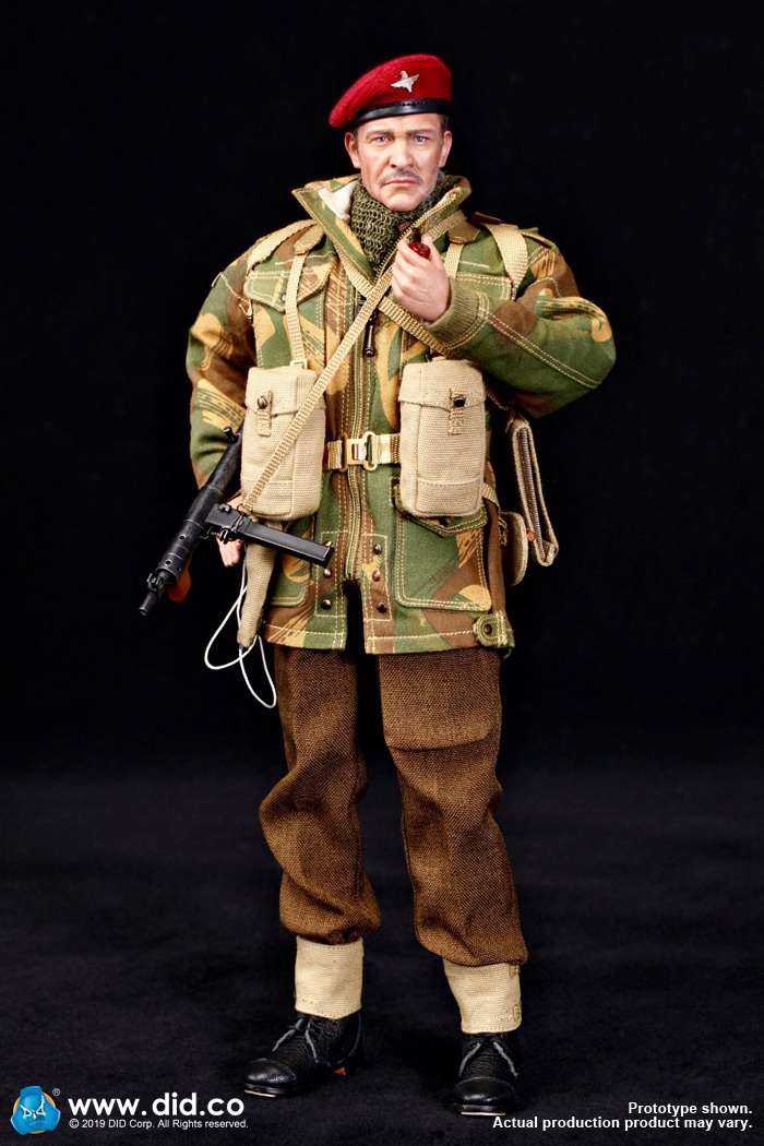 DID K80135 WWII British Airborne Red Devil Commander Roy 3.jpg
