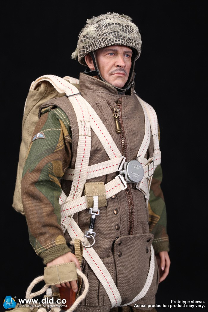 DID K80135 WWII British Airborne Red Devil Commander Roy 7.jpg
