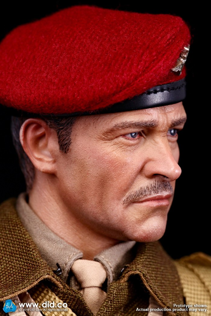 DID K80135 WWII British Airborne Red Devil Commander Roy 6.jpg