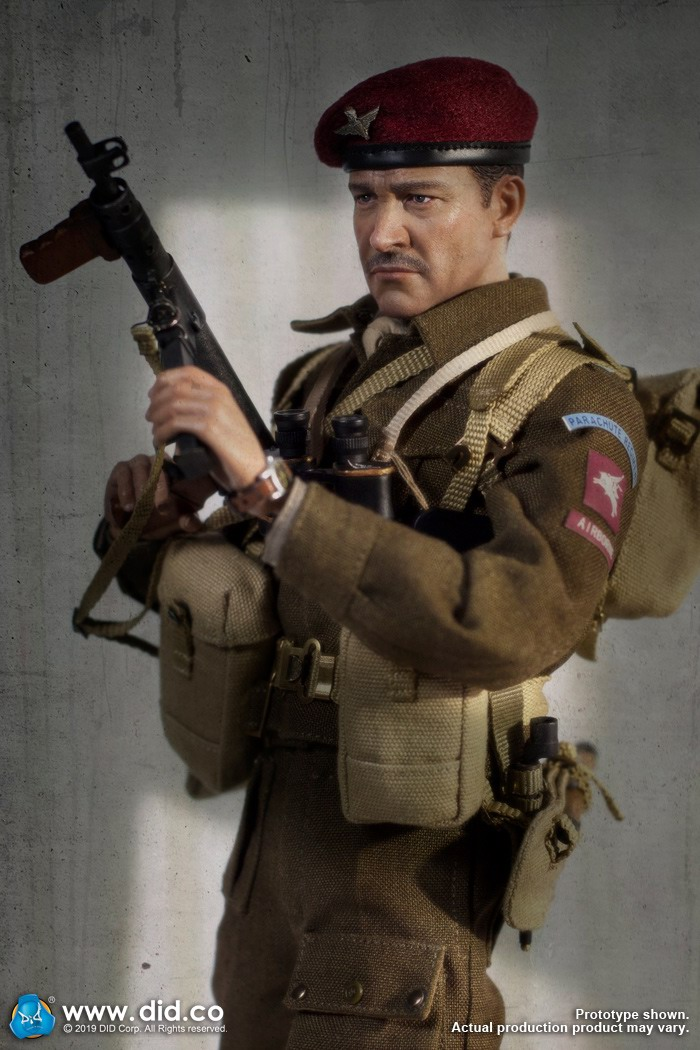 DID K80135 WWII British Airborne Red Devil Commander Roy 8.jpg
