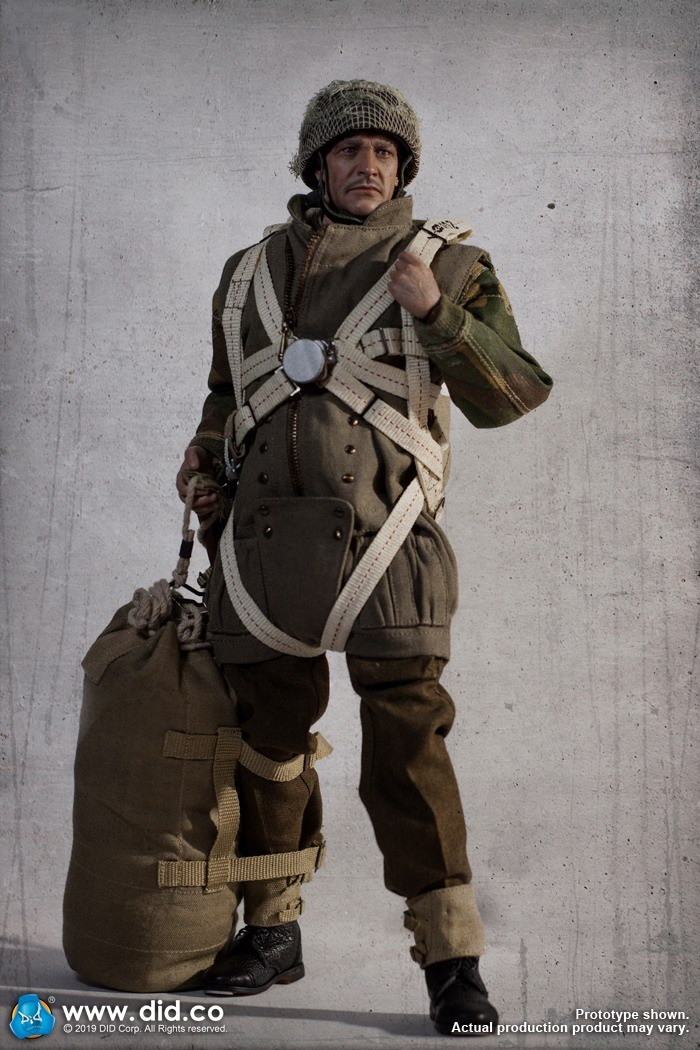 DID K80135 WWII British Airborne Red Devil Commander Roy 10.jpg