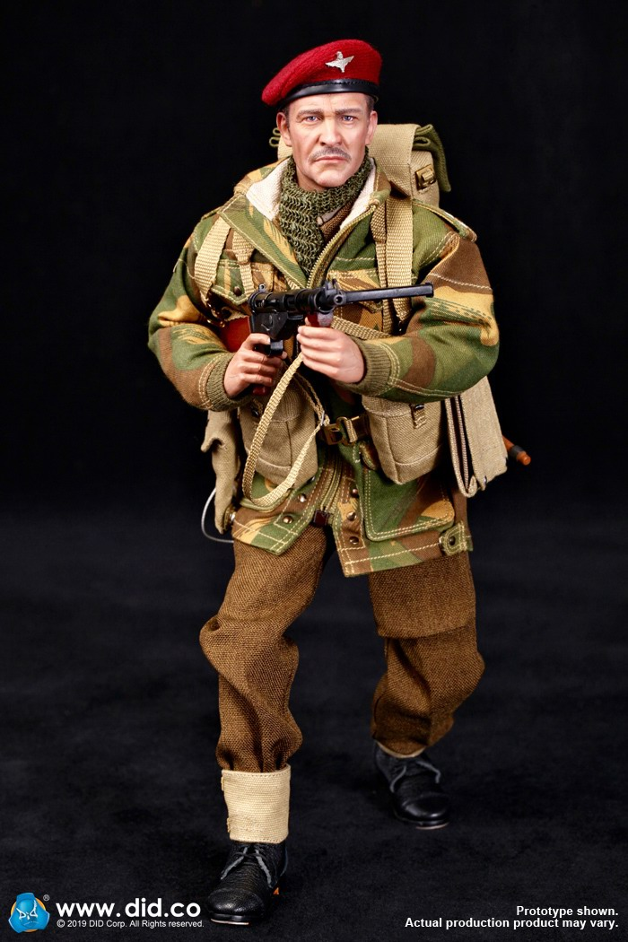 DID K80135 WWII British Airborne Red Devil Commander Roy 12.jpg