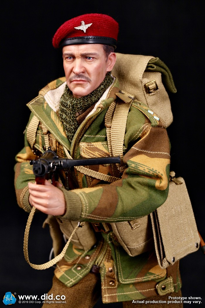 DID K80135 WWII British Airborne Red Devil Commander Roy 15.jpg