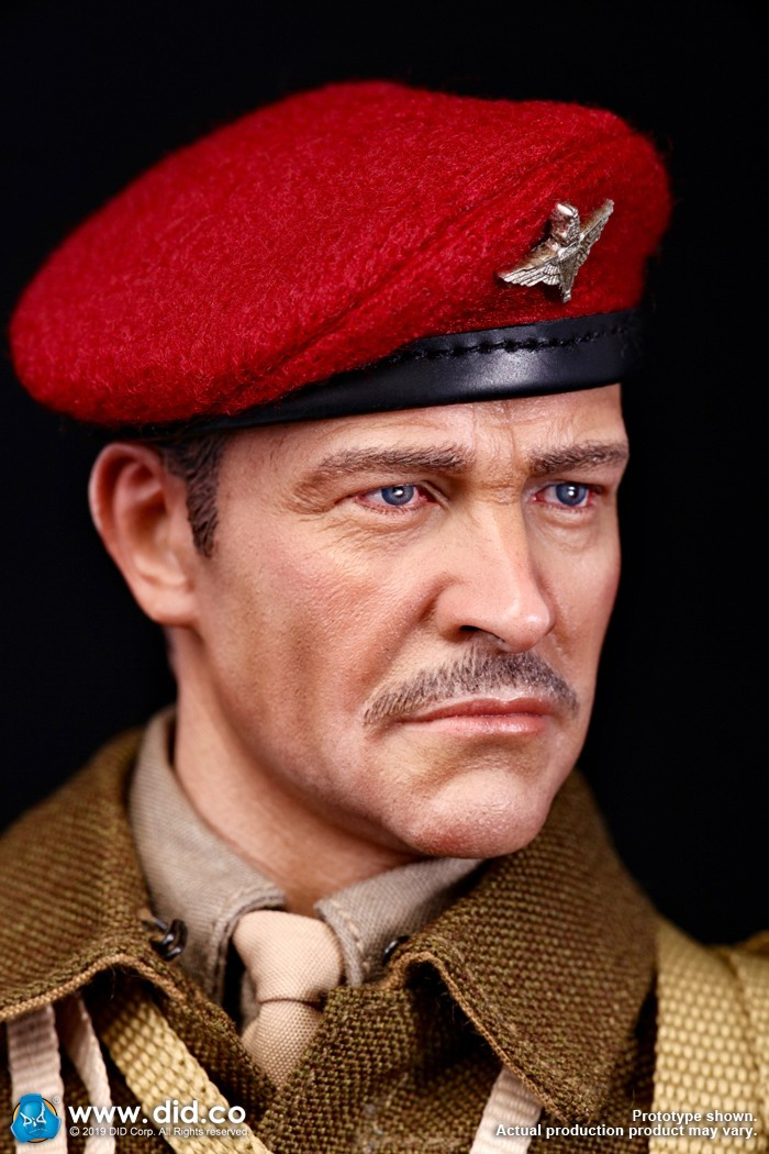 DID K80135 WWII British Airborne Red Devil Commander Roy 21.jpg
