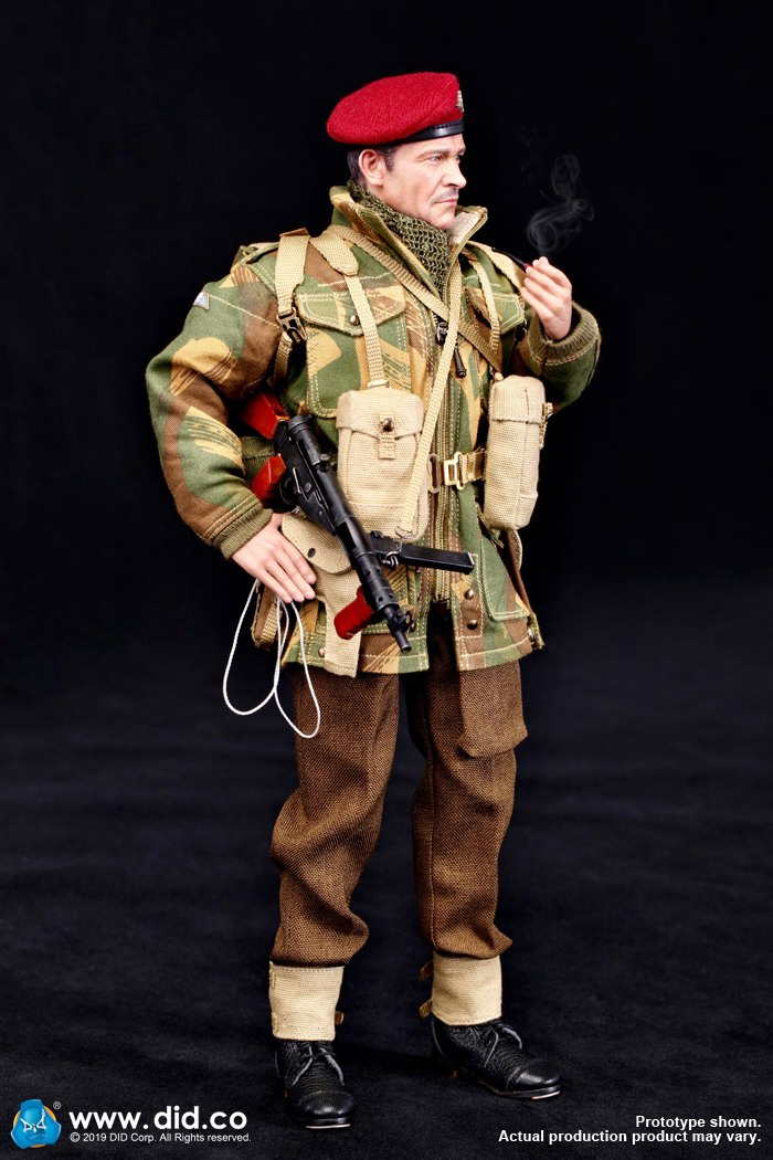 DID K80135 WWII British Airborne Red Devil Commander Roy 23.jpg