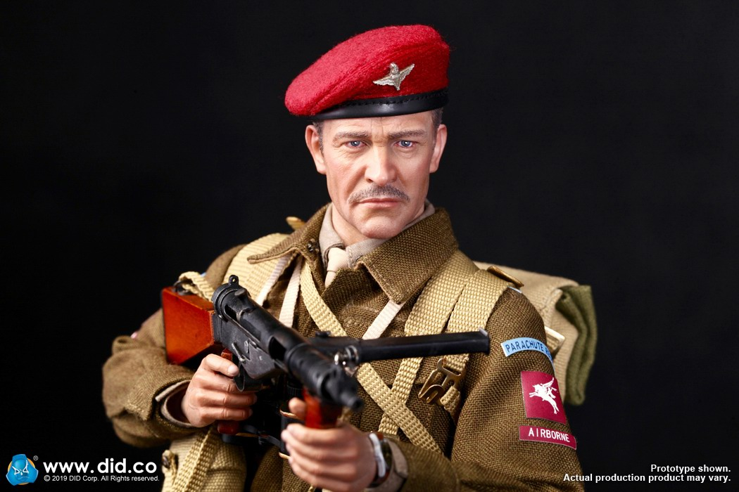 DID K80135 WWII British Airborne Red Devil Commander Roy 28.jpg
