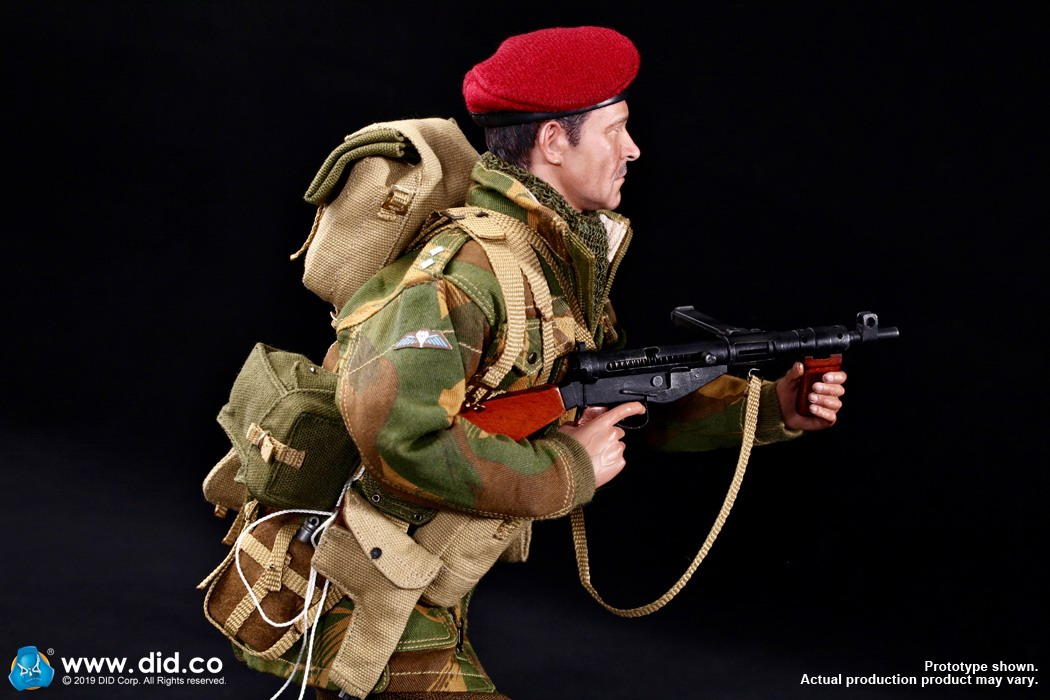 DID K80135 WWII British Airborne Red Devil Commander Roy 29.jpg
