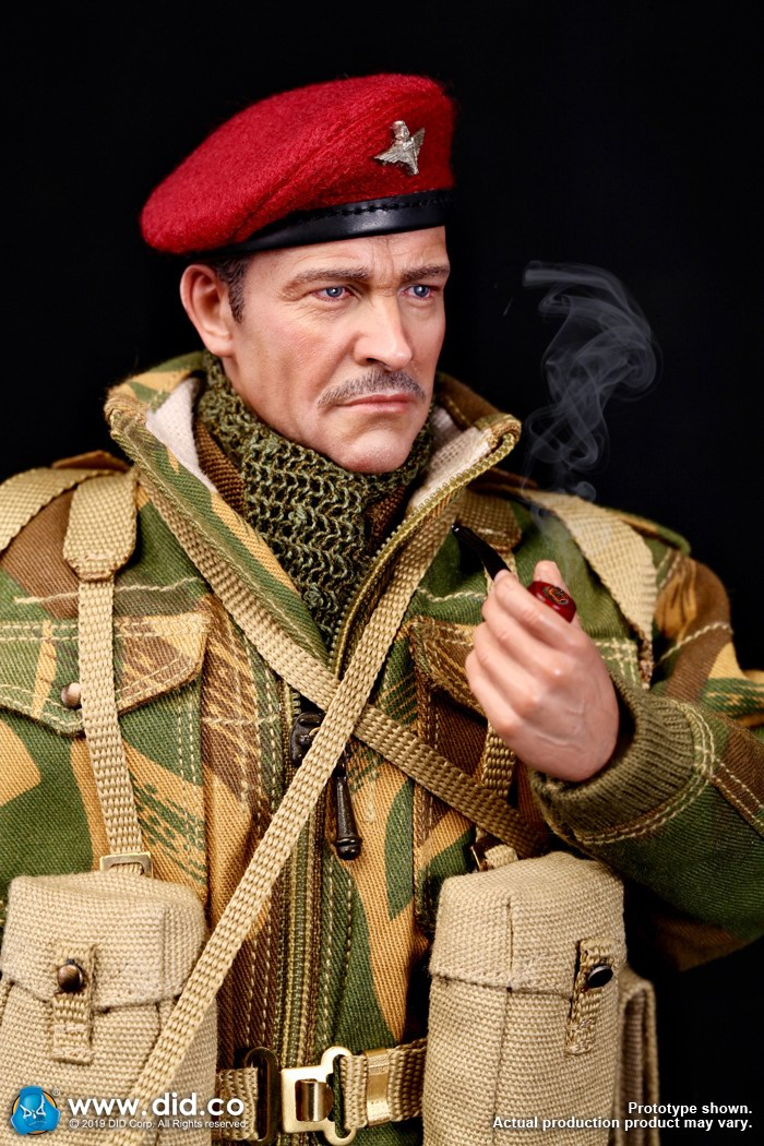 DID K80135 WWII British Airborne Red Devil Commander Roy 35.jpg