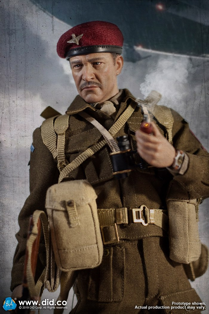 DID K80135 WWII British Airborne Red Devil Commander Roy 33.jpg