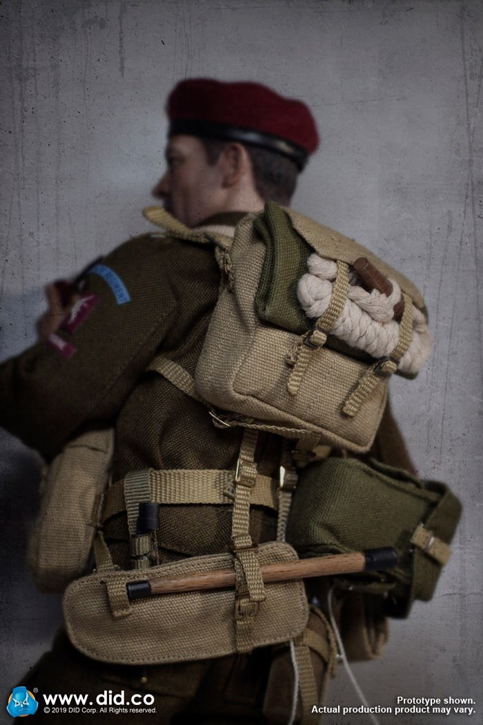 DID K80135 WWII British Airborne Red Devil Commander Roy 34.jpg