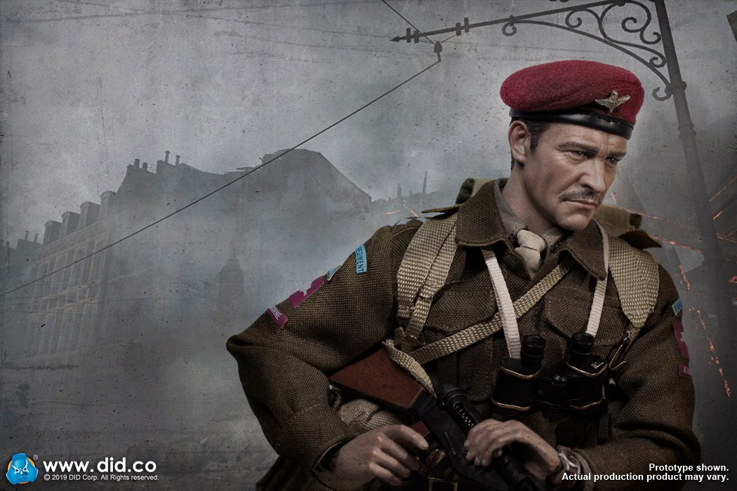 DID K80135 WWII British Airborne Red Devil Commander Roy 36.jpg