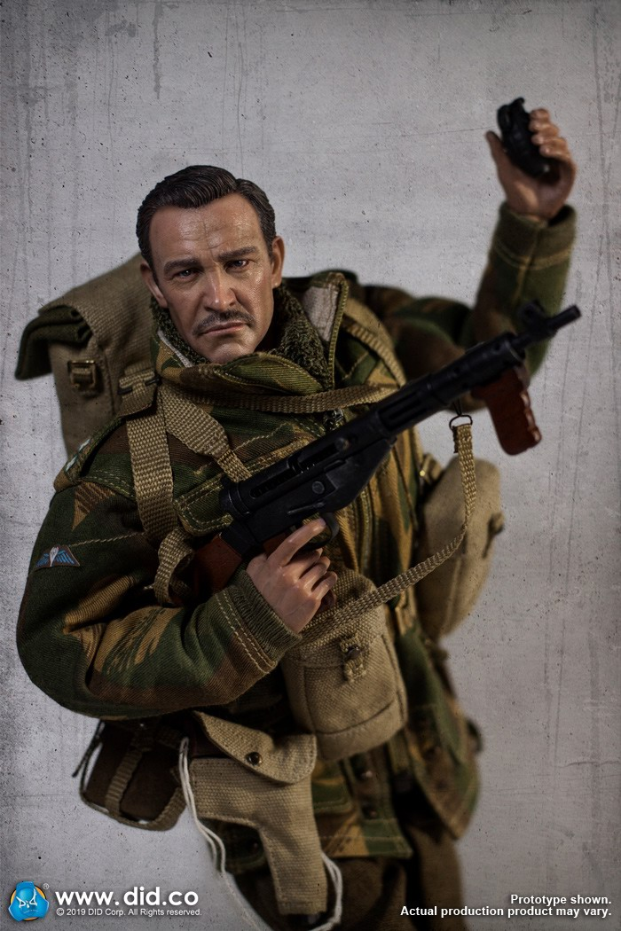 DID K80135 WWII British Airborne Red Devil Commander Roy 39.jpg