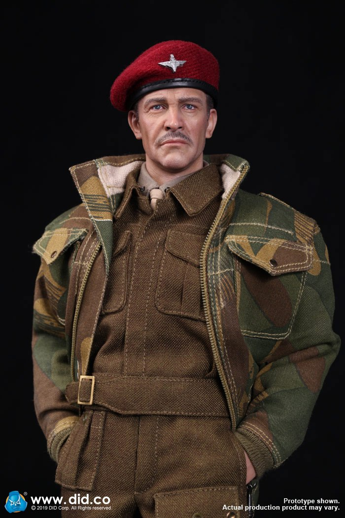 DID K80135 WWII British Airborne Red Devil Commander Roy 64.jpg