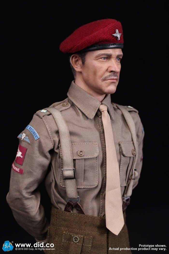 DID K80135 WWII British Airborne Red Devil Commander Roy 65.jpg