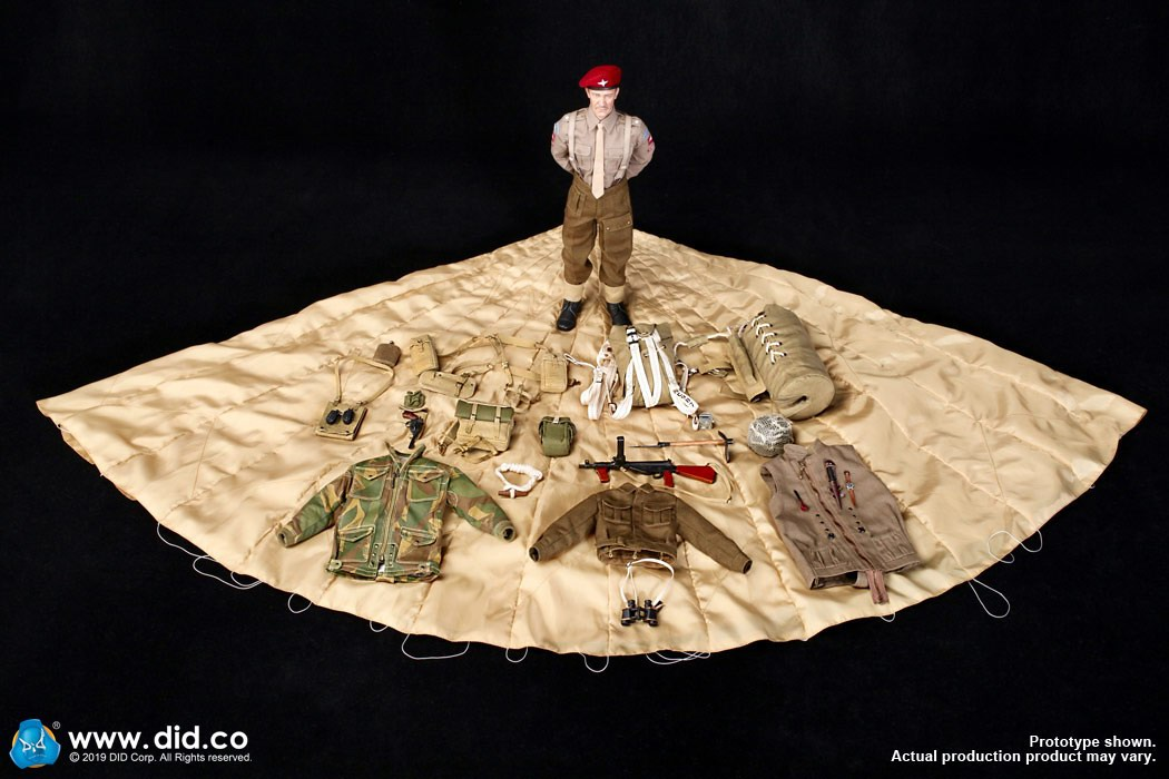 DID K80135 WWII British Airborne Red Devil Commander Roy 68.jpg